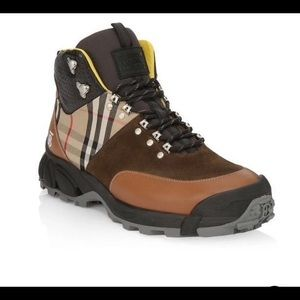 Burberry vintage check hiking boots